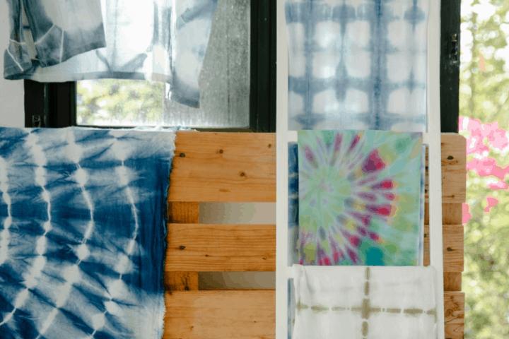 Ikuti Cara Diah Kusumawardani Mendapat Untung Jutaan Rupiah Dari Membuat Baju Tie-Dye